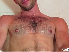 Taking a shower whith esteban a sexy guy serviced by us!