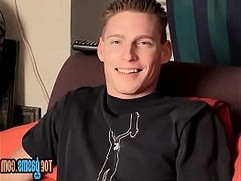 Gorgeous feet lover jacking off hard until he creams